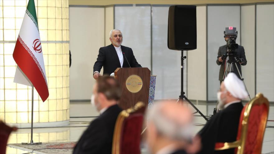 El canciller iraní, Mohamad Yavad zarif, ofrece un discurso en una reunión con los embajadores de algunos países en Teherán, 9 de febrero de 2021. (Foto: President.ir)