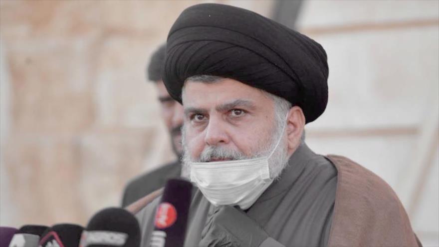 El líder del Movimiento Sadr de Irak, Muqtada Sadr, en una rara conferencia de prensa en la ciudad santa de Nayaf (sur), 10 de febrero de 2021. (Foto: AFP)