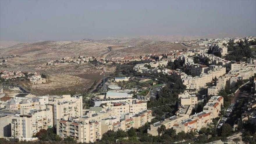 Israel sigue judaizando Al-Quds: Aprueba 900 viviendas ilegales más