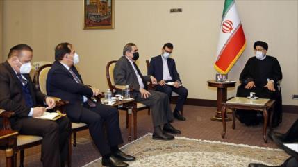 Irán: EEUU se encuentra en la región solo por su propio beneficio