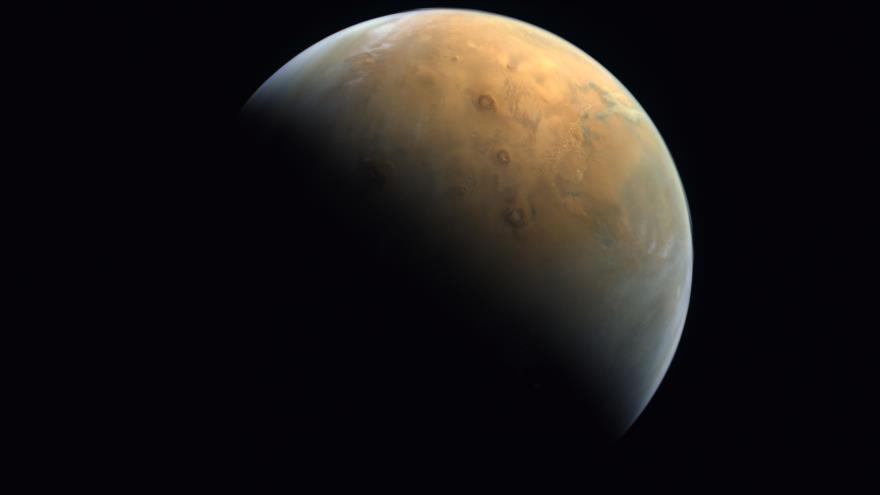 Agencia rusa publica impresionante foto de cráter marciano | HISPANTV