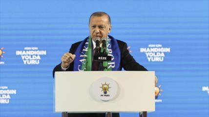 """Erdogan: EEUU apoya a terroristas que """"mataron"""" a turcos en Irak"""