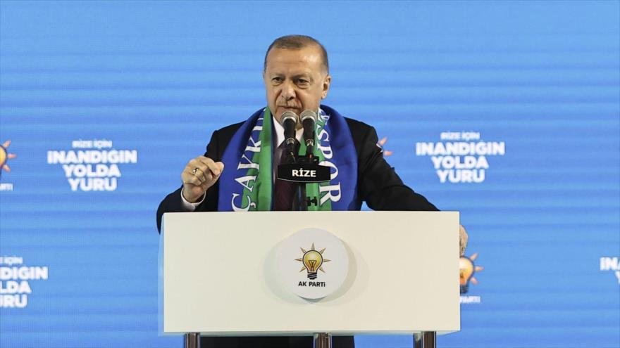 El presidente turco, Recep Tayyip Erdogan, durante el congreso provincial del Partido Justicia y Desarrollo, 15 de febrero de 2021.