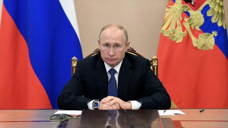 El presidente ruso, Vladimir Putin, participa en una videoconferencia, 6 de noviembre de 2020.