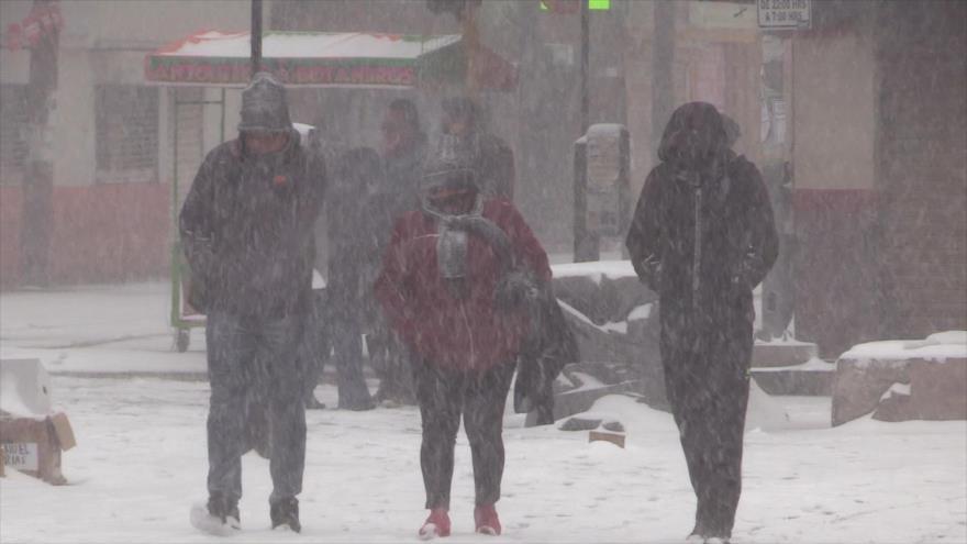 Residentes en el norte de México se ven afectados por la misma ráfaga de invierno que atravesó el sur de EE.UU., 15 de febrero de 2021.