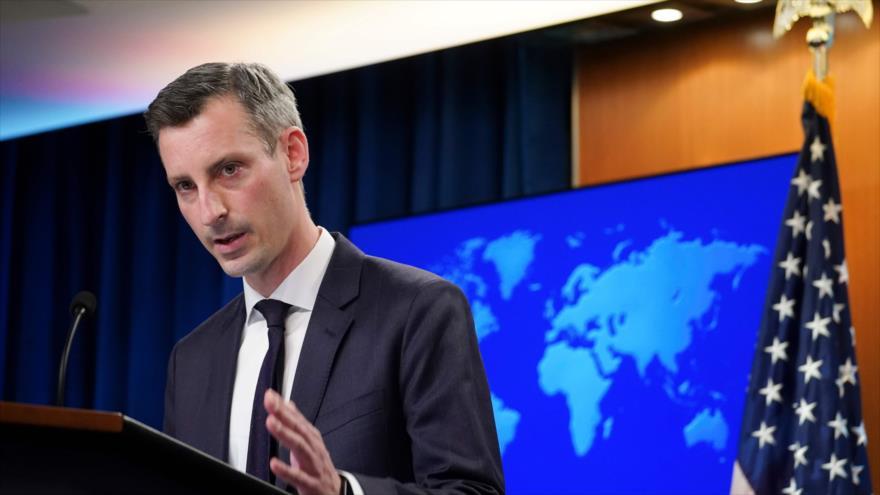 El portavoz del Departamento de Estado de EE.UU., Ned Price, durante una conferencia de prensa en Washington, 8 de febrero de 2021. (Foto: AFP)