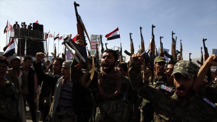 Fuerzas populares yemeníes durante un desfile en Saná.