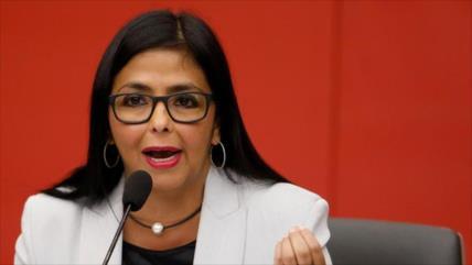 Venezuela: España busca 'articular planes golpistas' desde Colombia