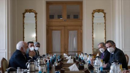 Canciller iraní y jefe de la AIEA discuten la cooperación bilateral
