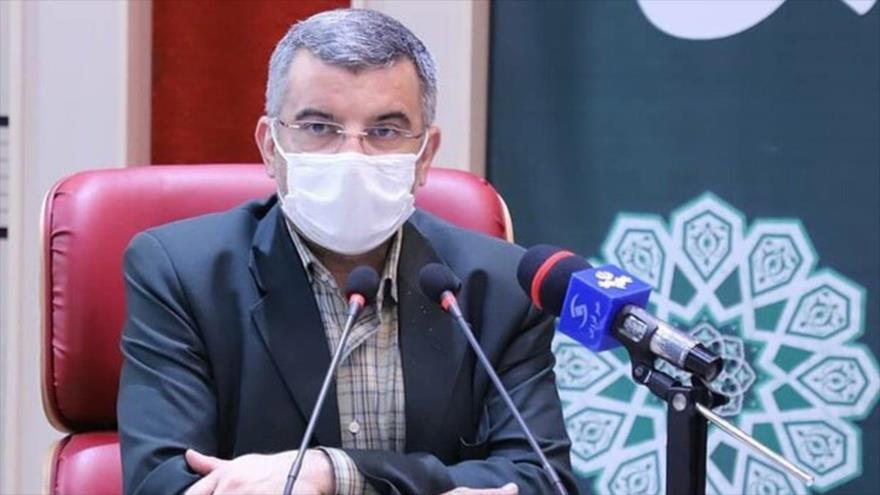 El viceministro de Salud de Irán, Iray Harirchi, durante una conferencia de prensa celebrada en Teherán, la capital iraní, 21 de febrero de 2021.