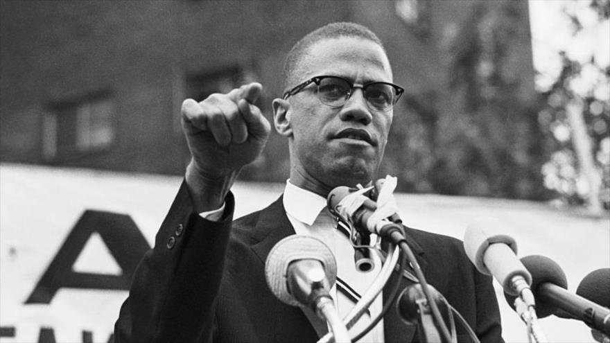 El líder revolucionario de la minoría negra estadounidense Malcolm X.