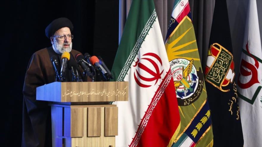 El presidente del Poder Judicial de Irán, Seyed Ebrahim Raisi, habla durante una conferencia en Teherán, capital, 23 de febrero de 2021. (Foto: Fars)