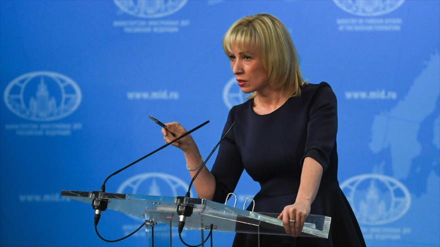 La portavoz del Ministerio de Relaciones Exteriores de Rusia, María Zajarova, durante una rueda de prensa, Moscú, 29 de marzo 2018, (Foto:AFP)