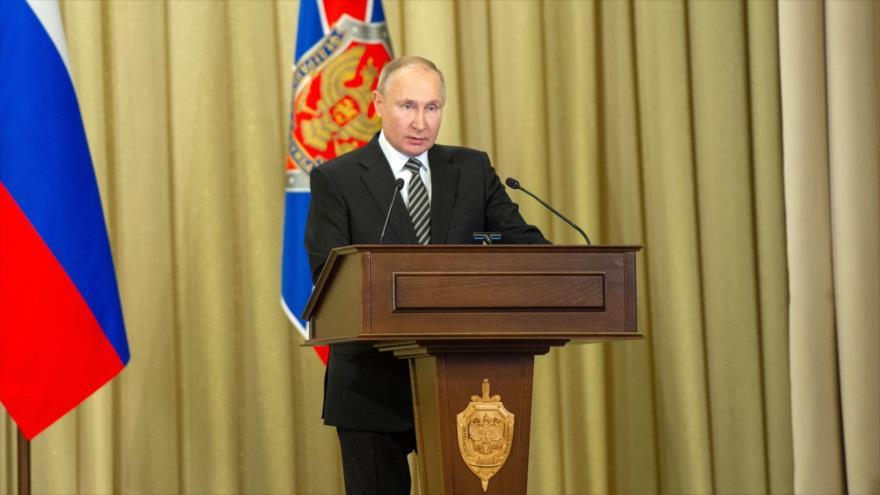 Putin pide a servicios secretos frenar agresiva campaña occidental