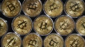 La popular criptomoneda bitcóin sufre una caída de dos dígitos