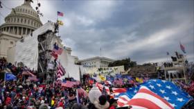 """Policía advierte: seguidores de Trump quieren """"volar el Capitolio"""""""