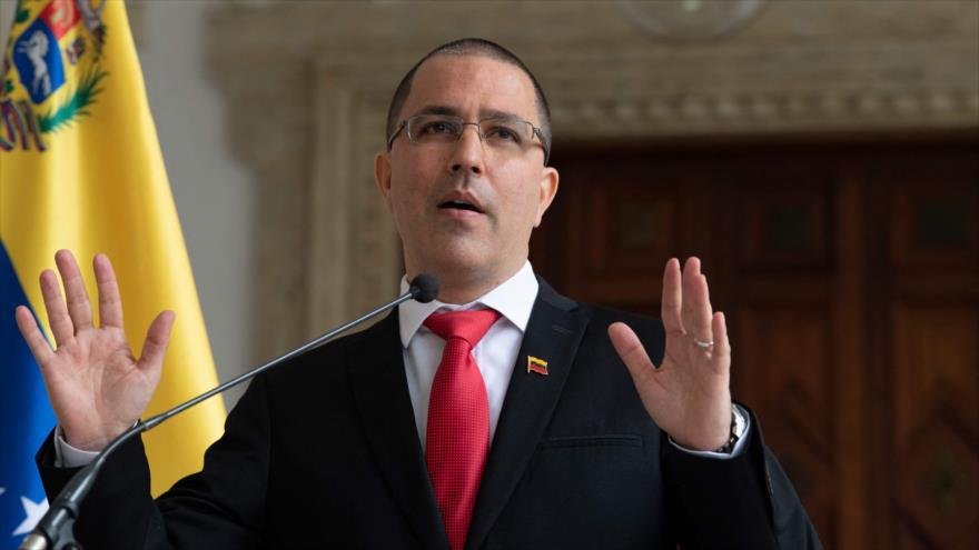 Jorge Arreaza, canciller de Venezuela, informa la expulsión de la embajadora de la Unión Europea en una rueda de prensa, Caracas, 24 de febrero 2021, (Foto: AFP)