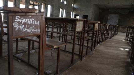 Grupo armado secuestra a 300 estudiantes en Nigeria