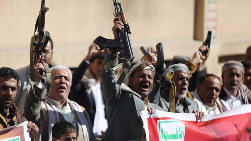 Partidarios del movimiento yemení Ansarolá durante una marcha en Saná (Yemen), 20 de enero de 2021. (Foto: Reuters)