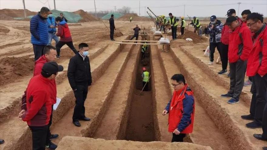Arqueólogos chinos descubren tumbas en la ciudad de Xian.