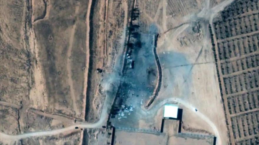 Imagen satelital de edificios destruidos por ataque aéreo de EE.UU. en este de Siria, 26 de febrero de 2021. (Foto: AP)