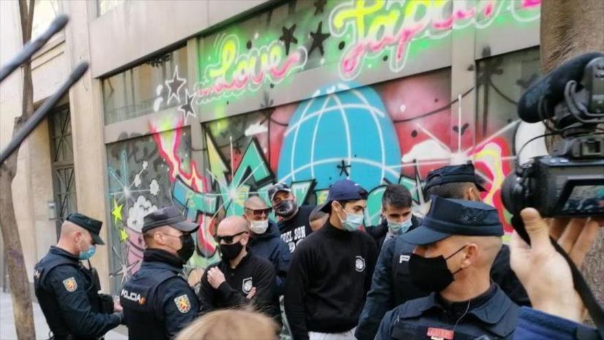 Vídeo: Enfrentamiento entre manifestantes y radicales en Madrid