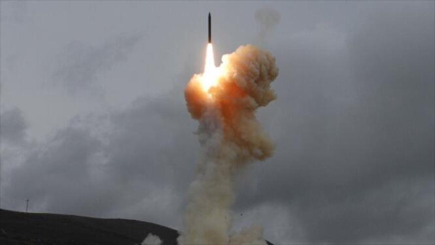 Yemen ataca con drones y misil blancos clave en la capital saudí