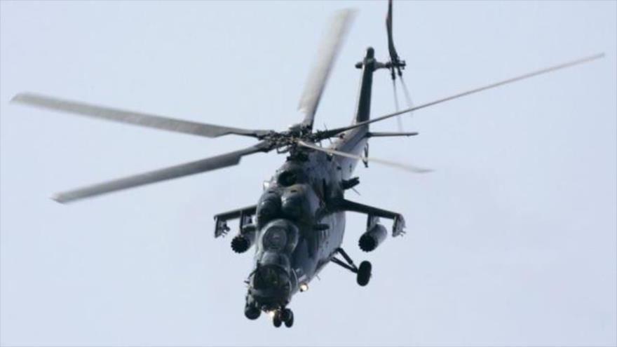 Un helicóptero militar ruso Mi-35 en pleno vuelo en las afueras de Moscú (capital de Rusia). (Foto: Reuters)