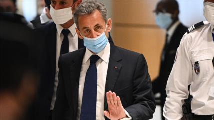 Expresidente francés Sarkozy, condenado a cárcel por corrupción