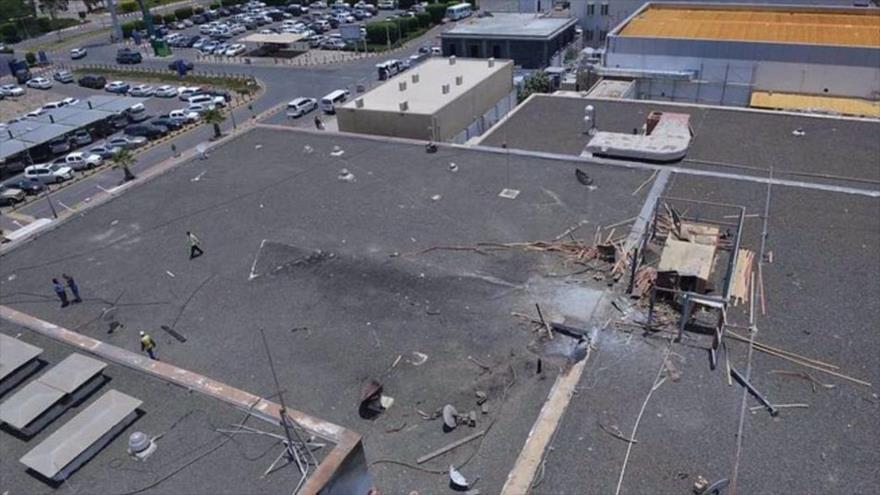 Los daños creados en el aeropuerto internacional saudí de Abha, en el suroeste del reino, tras un ataque con drones de las fuerzas yemeníes.