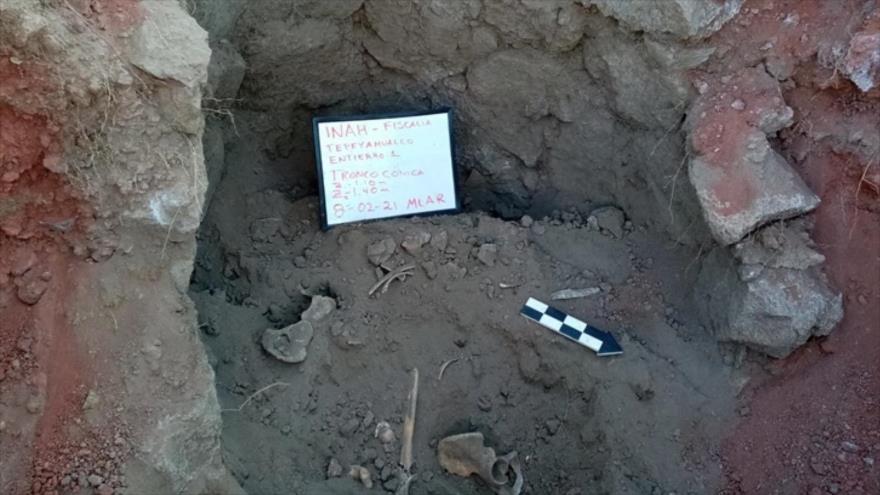Tumba troncocónica en Cantona, de cuatro individuos jóvenes, México. (Foto: Centro INAH Puebla).