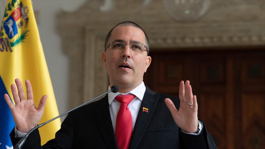 El canciller de Venezuela, Jorge Arreaza, en una rueda de prensa, en Caracas (capital), 24 de febrero de 2021. (Foto: AFP)