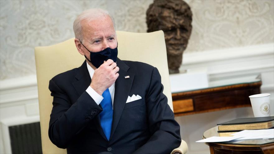 El presidente de EE.UU., Joe Biden, durante una reunión en el Despacho Oval en la Casa Blanca, Washington D.C., 3 de marzo de 2021. (Foto: AFP)