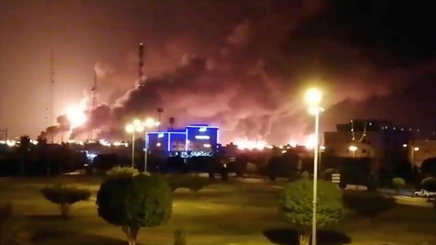 Fuerzas yemeníes golpean petrolera Aramco y una base militar saudí   HISPANTV