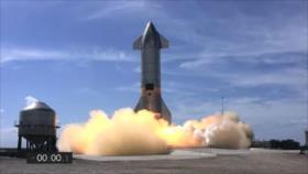 El SpaceX SN10 estalló en pedazos minutos después de aterrizar