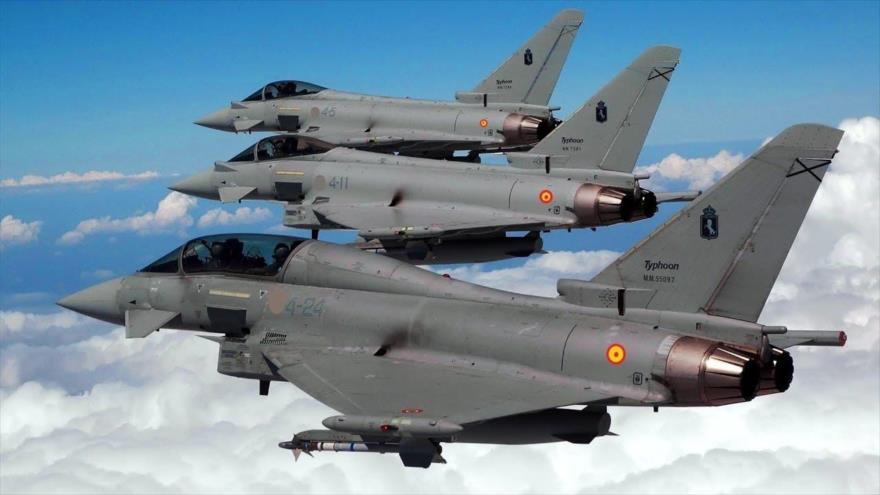 Varios cazas Eurofighter del Ejército del Aire español en pleno vuelo.