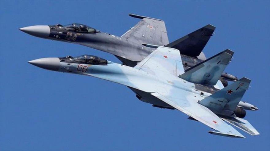 Dos cazas Su-35 de Rusia en pleno vuelo. (Foto: Reuters)