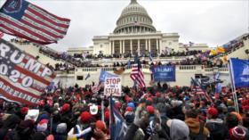 Informe revela nexo entre asalto al Capitolio y personal de Trump