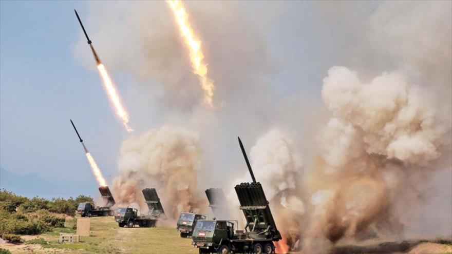 Disparo de lanzacohetes durante una prueba de armas en un lugar no revelado en Corea del Norte, 4 de mayo de 2019. (Foto: KCNA)