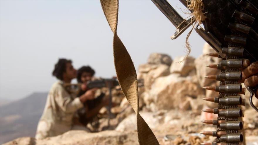 Fuerzas yemeníes se posicionan cerca de la ciudad de Marib, 27 de junio de 2016. (Foto: AFP)