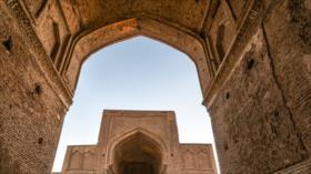 Fotos de Mezquita de Forumad, gran monumento histórico iraní