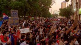 Paraguayos piden renuncia de presidente por mal manejo de pandemia