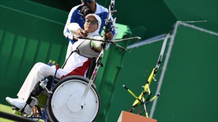 Comité Paralímpico condecora a arquera iraní en Día de la Mujer