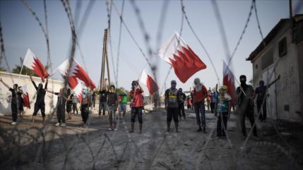 HRW: Policía de Baréin amenaza a niños detenidos con violarlos