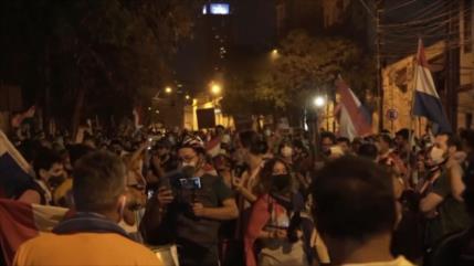 Siguen los manifestantes en Paraguay contra Abdo Benítez