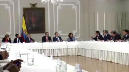 Duque se reúne en secreto con miembros de la exguerrilla de FARC