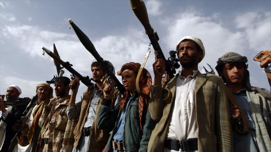 Partidarios del movimiento yemení Ansarolá en una reunión en Saná, Yemen, 20 de junio de 2016. (Foto: AFP)