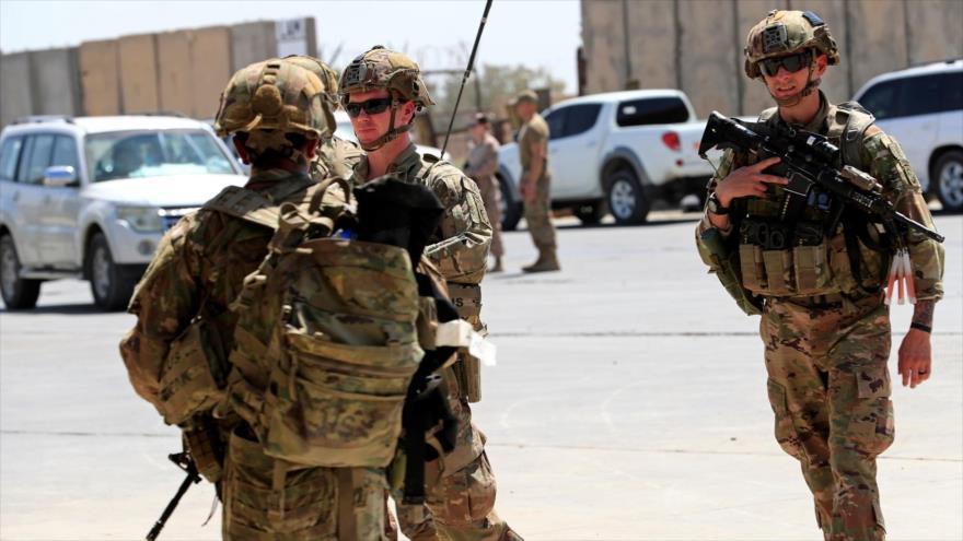 Soldados de EE.UU. patrullan en una base militar al norte de Bagdad, Irak, 23 de agosto de 2020. (Foto: Reuters)