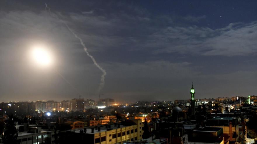 En imágenes: Siria destroza misiles de Israel rumbo a Damasco
