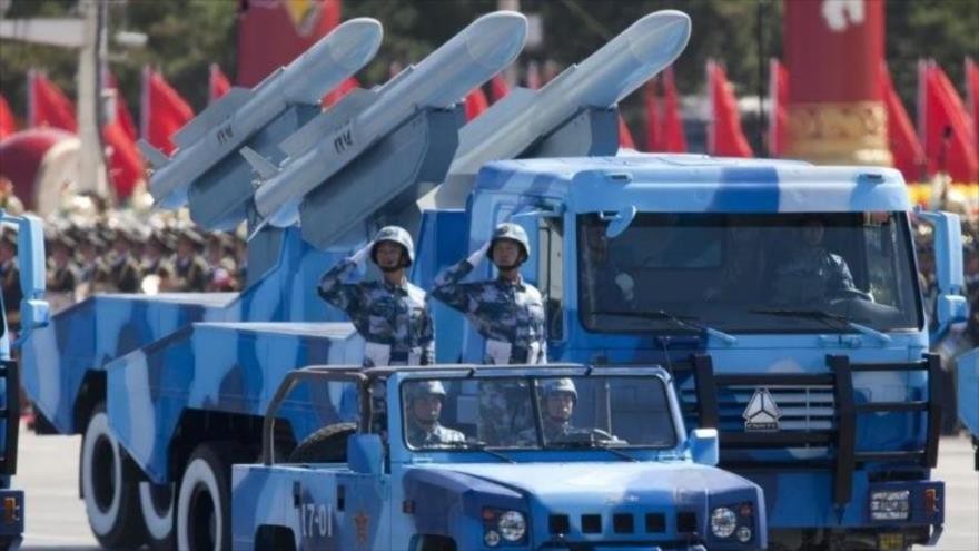 La fuerza de misiles tácticos y estratégicos del Ejército Popular de Liberación (EPL) de China interviene en un desfile militar en Pekín. (Foto: EPA)